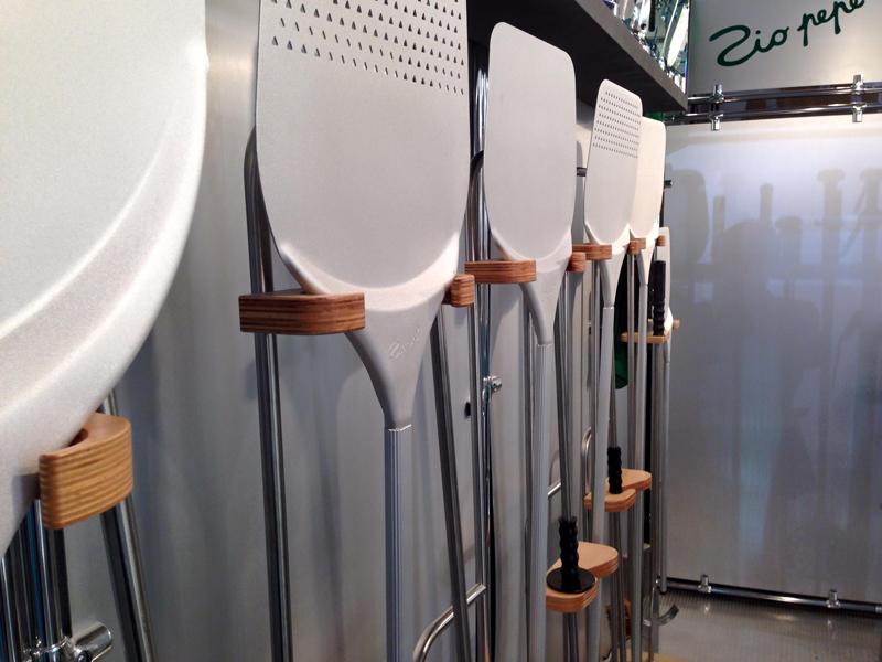 Produzione attrezzature professionali per pizzeria