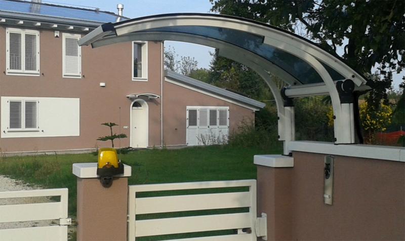 Produzione pensiline lucernari e cupole in policarbonato for Raccordo in acciaio verticale