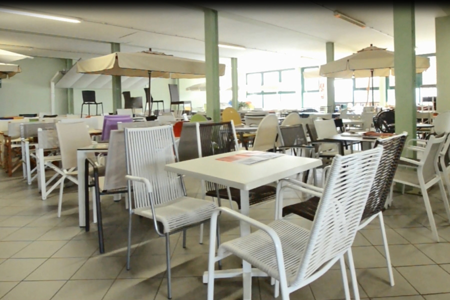 Produzione sedie e lettini per stabilimenti balneari italsedie for Produzione sedie