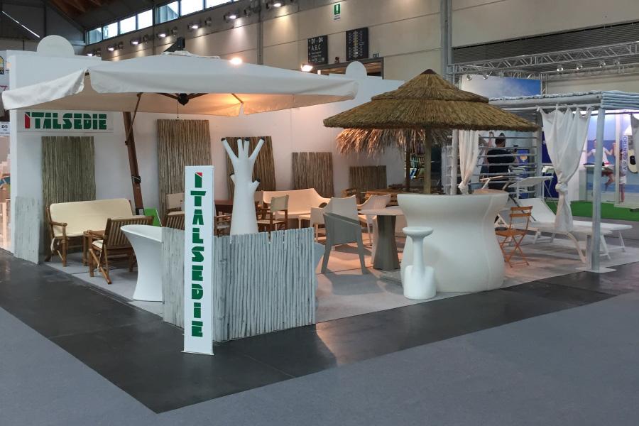 Produzione sedie e lettini per stabilimenti balneari italsedie for Produzione arredo giardino