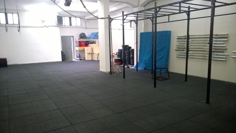 Pavimento In Gomma Per Esterno : Produzione pavimenti antitrauma in gomma riciclata ecoplus