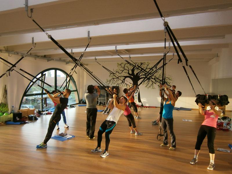 Sistema floating workout per palestre per allenamento in sospensione