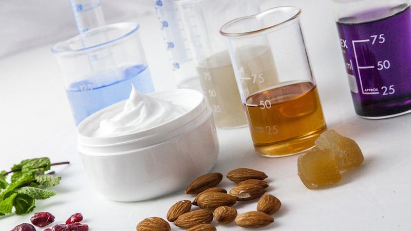 Huwell Chemicals: quando gli schiarenti per capelli diventano vegani