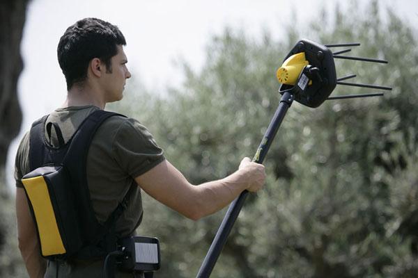 La nuova macchina per la raccolta delle olive giulivo di volpi