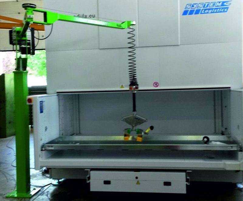 Liftronic, tecnologia Indeva per movimentazione merci in verticale SCAGLIA INDEVA