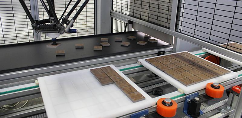 Fast Mosaic Mover, robot antropomorfo per la lavorazione del mosaico
