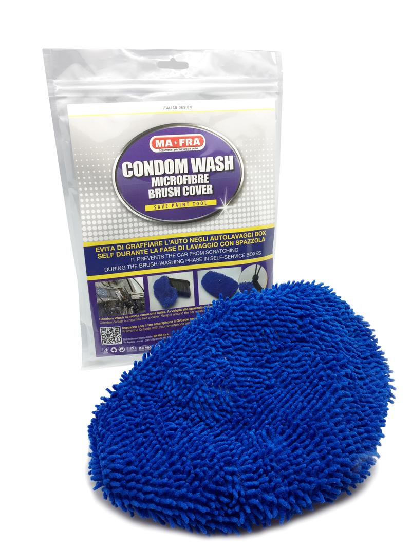 Guanti e panni in microfibra per lavaggio auto