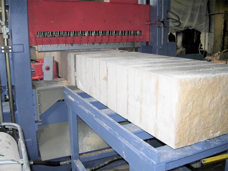 Impianto di spacco pietra automatico Serie P4
