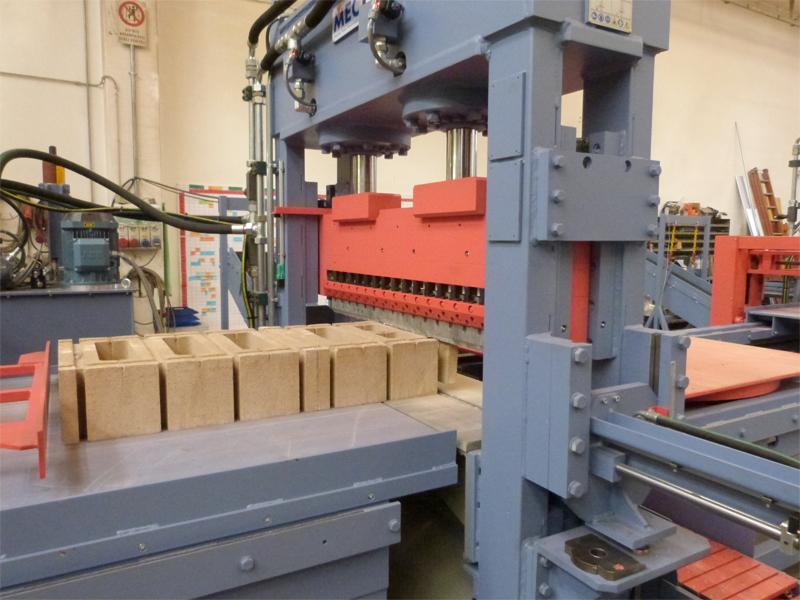 Impianti automatici per splittare cemento