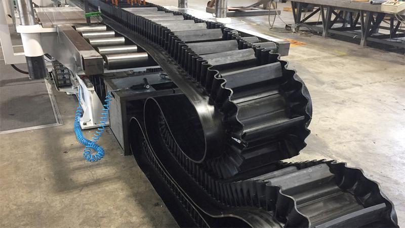 Sistema di trasporto materiale in verticale