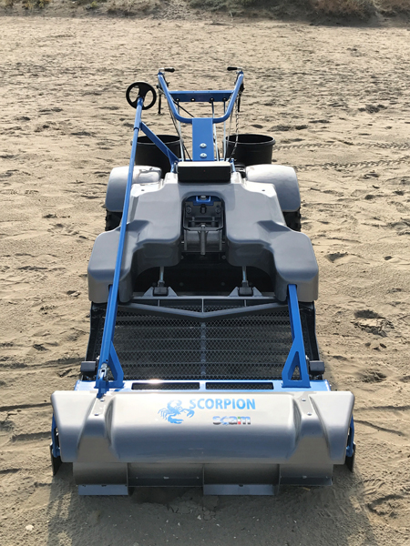 Self-propelled beach cleaning