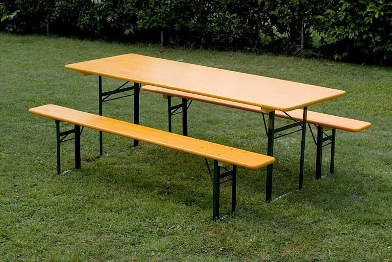 tavoli e panche in abete per birreria viero
