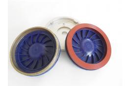Sistema di fissaggio per mole diamantate a tazza Click-Fit