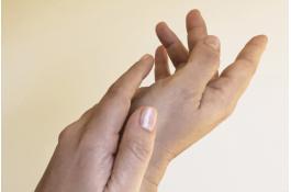Gel igienizzante mani con aloe, pantenolo e glicerina