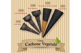 Coni gelato al carbone vegetale