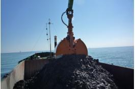 Grab hydraulic excavator
