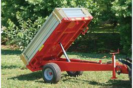 Rimorchio trainato con ribaltamento idraulico per trattore