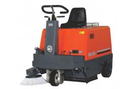 Battery powered sweeper with man on board RootsSweep RB100