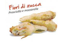 Fiori di zucca pastellati con prosciutto e mozzarella