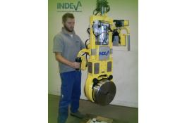 Manipulator for mechanical lifting shares