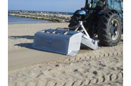 Tractor beach cleaner Otaria