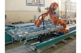 Robot antropomorfi per industria ceramica