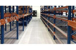 resin floors for intensive warehouses