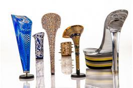 Tacchi, zeppe e plateau in materiali plastici e materiali bio per scarpe