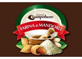 Produzione farina di mandorle