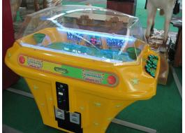 Electromechanical basketball for games room