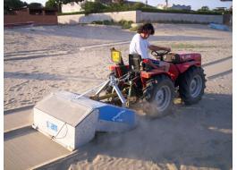 Attrezzatura trainata per pulizia spiaggia Pinguino