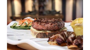 Gourmet hamburger for high catering