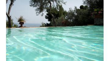 Design residential infinity pool