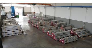 Barre quadre in acciaio AVP