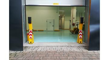 Shockproof protections for loading bays