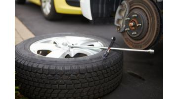 Attrezzature per riparazione pneumatici