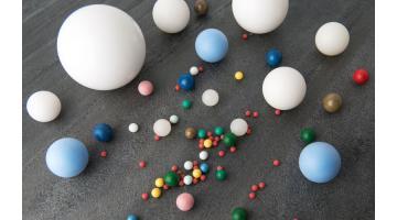 Produzione sfere di precisione in plastica