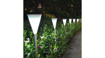 LED garden lamp with photovoltaic panel