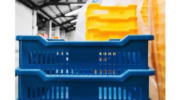 Produzione contenitori in materiali plastici per industria
