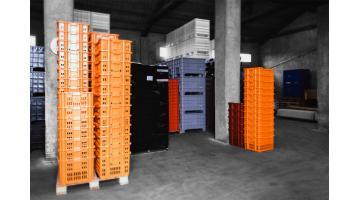 Produzione contenitori in plastica per industria