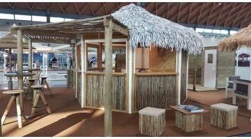 Straw coverings for beach establishments