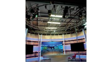 Tre Ti installa impianti d'illuminazione per studi televisivi con illuminatori delle migliori marche