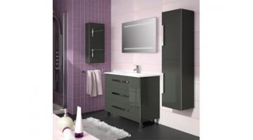 Lacquered bathroom furniture