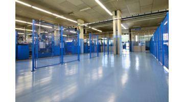 Resin floors for large surfaces