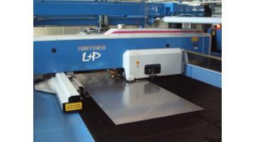 Arredamento inox per self service e mense metaltecnica for Arredamento acciaio inox
