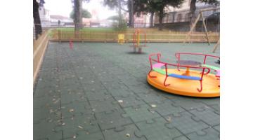 Trauma floors for playground equipped