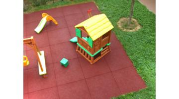 Floors antitrauma play area for school