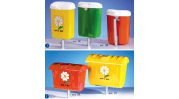 Beach waste containers