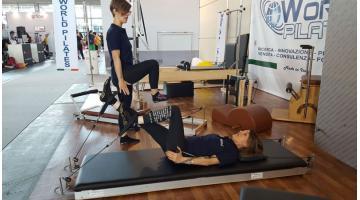 Attrezzo pilates per allenamento orizzontale