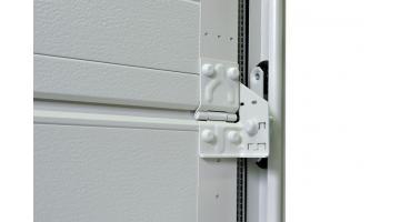 Portone garage ad isolamento termico con guarnizione perimetrale